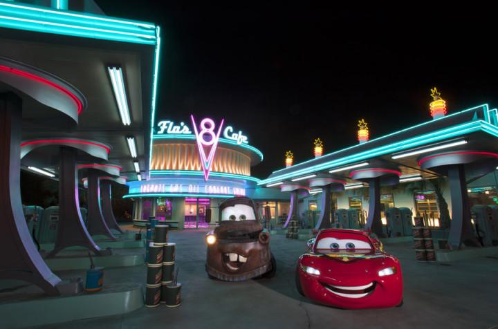 Lightning Mcqueen Mater Cars Land On Flos V8 Cafe At Night