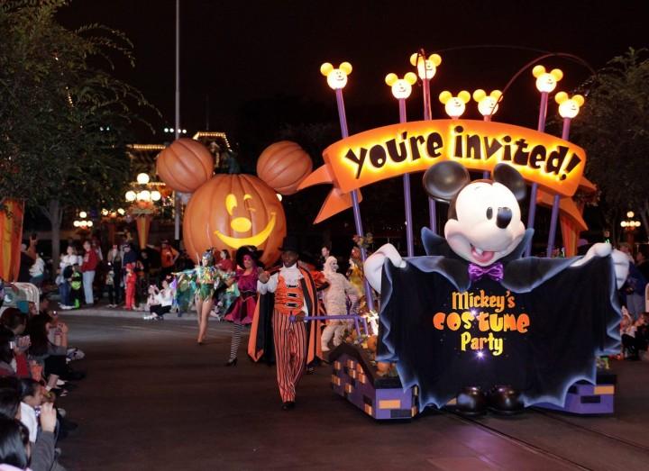 Mickeys Halloween Party Parade