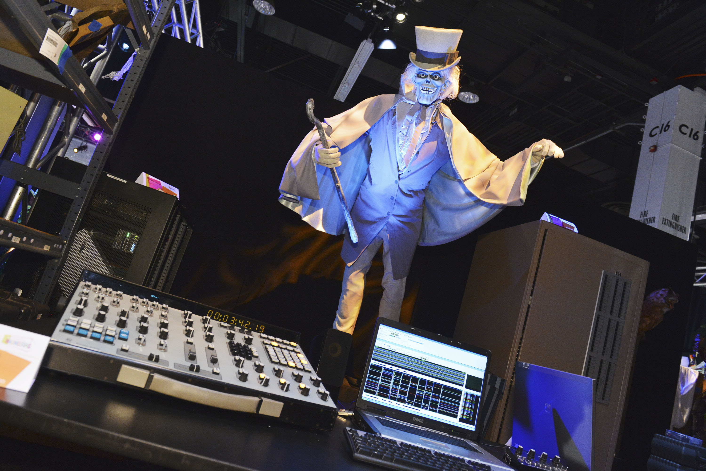 2013 D23 Expo Walt Disney Imagineering Hat Box Ghost | DisneyExaminer