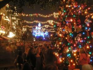 Main Street Usa Disneyland Holidays Christmas Winter Crowds