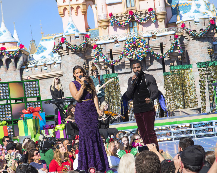 Abc Network Disney Parks Christmas Day Parade Taping At Disneyland 2013 Jason Derulo Jordin Sparks