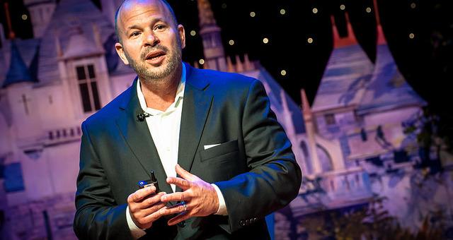 Thomas Smith Disney Parks And Resorts Social Media Director