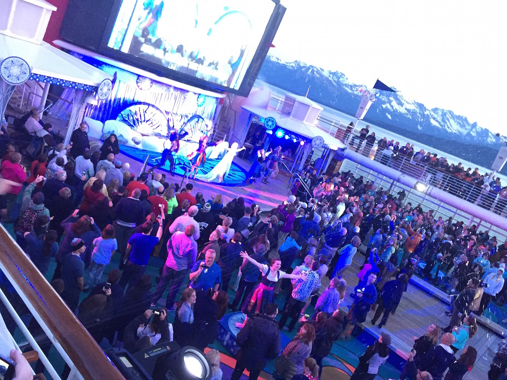 Whats Really On A Disney Cruise Disneyexaminer Frozen Deck