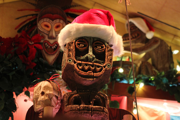trader-sams-holiday-decor