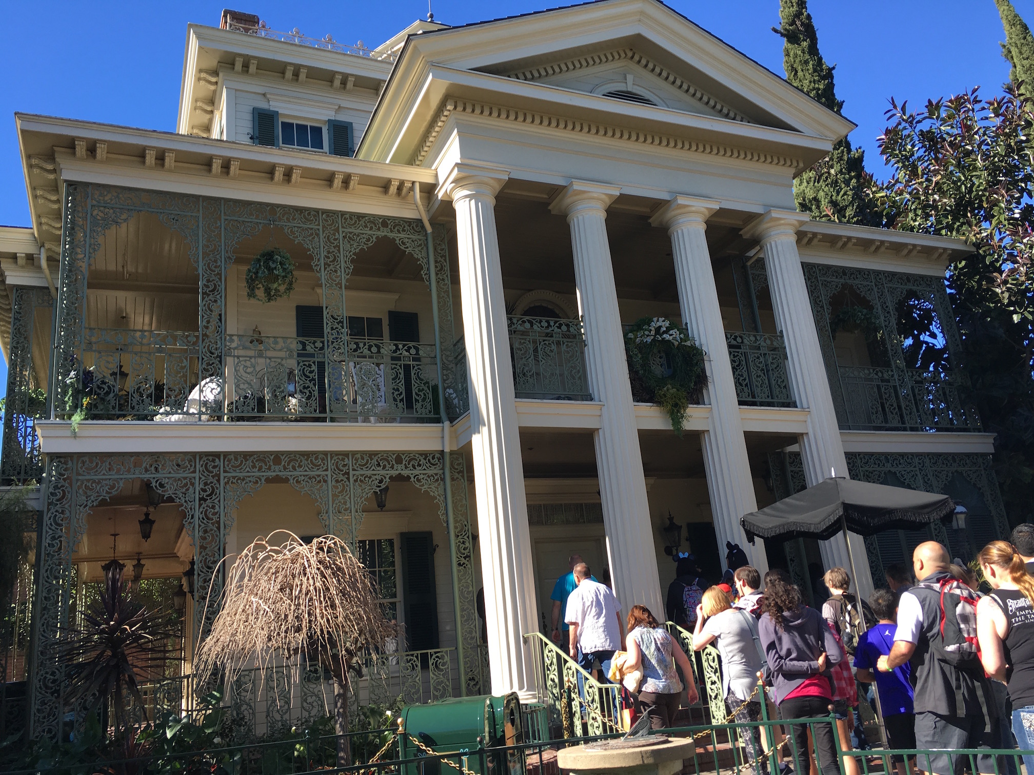 haunted mansion ride pictures to pin on pinterest pinsdaddy